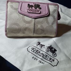 Coach wallet medium